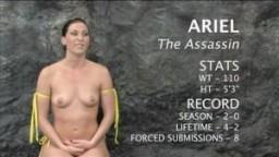 La sexy Ariel lutte avec la nouvelle Leilani