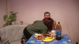 Une mère russe se fait baiser