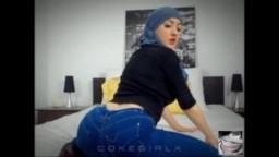 Muna arabe voilée séance d'excitation 1