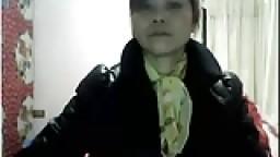 Mature chinoise aime jouer à la webcam