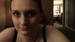 Femme enceinte suce, baise et se prend une éjaculation faciale