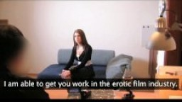 Etudiante médicale passe un casting porno