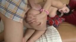 HD Une jeune à gros seins se fait sodomiser par son mec
