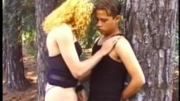 Sa première relation sexuelle avec une shemale