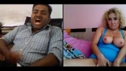Cette mature aime les hommes indiens