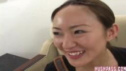 Décharge de sperme pour la jeune Kyoto