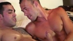Baise entre le gay canadien Brandon Jones & Emilio Calabria hd