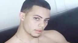 Le gay latino Ruben