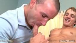 Un mec marié se fait baiser par un gay hd