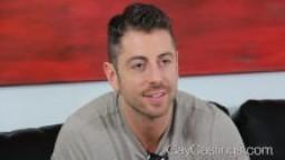 Casting gay - Michael baise pour la première fois devant une caméra hd