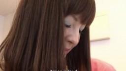 Une élégante lady japonaise toute timide se fait lécher la chatte et masturber le clitoris avec un vibromasseur hd