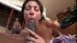 Elle adore les grosses bite black
