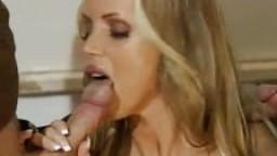 Anina Ucatis - Jeune à gros seins baisée par deux mecs