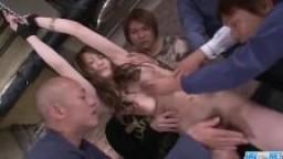 Déguisement porno asiatique - L'humide Yuu Hin