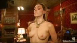 Des femmes baisées dan un club bdsm bondage