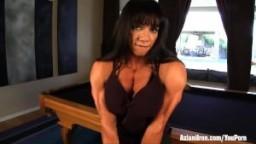 Femme bodybuilder Marina Lopez nue