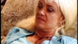 Bea Dumas - Deux allemandes matures baisées