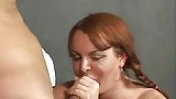 La rousse Wendy baisée par un chauve