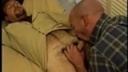 Le sheriff baise un chauve