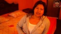 Une grosse péruvienne mature trompe son mari