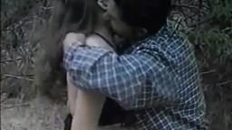 Une jolie nana baisée dans un ranch