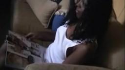 Cristina est réticente à faire une vidéo de sexe