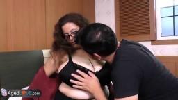 Ce jeune étalon brun se tape d'abord Brenda et puis Rosaly #07
