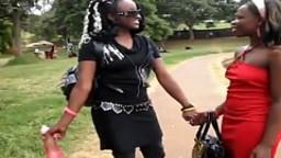 Deux lesbiennes africaines ont très envies de se faire des lèchouilles - film x - #01