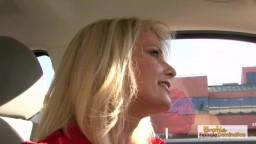Bridget est une milf blonde en chasse de bite noire - Vidéo x hd