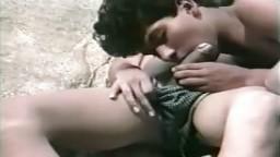 Vidéo amateur d'un jeune gay mexicain qui se fait sucer par son copain au bord de l'eau - xxx - #01