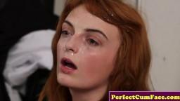 Une rousse reçoit du sperme au visage avant de se masturber - Film porno hd - #02