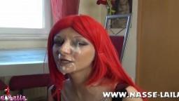 Elle se fait couvrir le visage de sperme - Film x HD