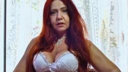 Une mature latine rousse dépouillée par une bite black - Vidéo x HD - #02