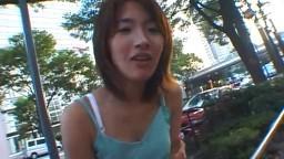Cette jeune japonaise pousse des petits gémissements quand elle se fait niquer par son homme - Film porno - #02
