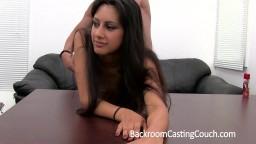 Une superbe perse tente la sodomie pendant un casting - Film x hd