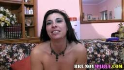 Cette espagnole nous révèle qu'elle est nymphomane et qu'elle veut qu'on la filme en train de baiser - Vidéo porno hd
