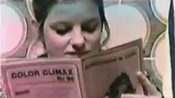 Des jeunes filles vintage ont terriblement envie de bite - Vidéo porno - #02