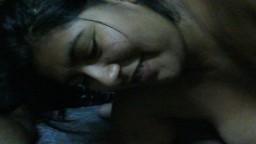 Cette grosse femme d'Argentine se comporte comme une vraie cochonne - Vidéo x