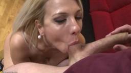 Il se fourre une femme mature blonde à gros nibards - Film porno hd - #02