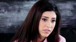 Une superbe arabe aux yeux marrons passe un casting - Film porno hd