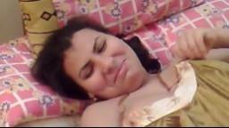 Un égyptien réalise une vidéo maison de sa femme rondelette - Vidéo x