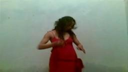 Une petite danse arabe avant de se faire fourrer - Film porno