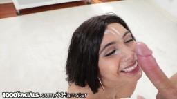 Il ne se gêne pas pour éjaculer sur le joli visage d'une arabe - XXX HD