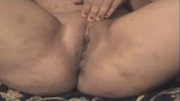 La chatte d'une grosse arabe du bled filmée par son mari - Vidéo porno