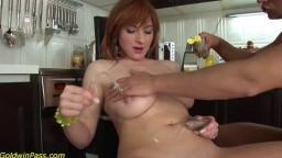 Elle se fait surprendre par son mec en train de se masturber dans la cuisine - XXX HD - #02