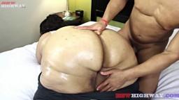 Ludus Adonis réalise des exercices avec la super grosse black Geisha Grimm - Vidéo x hd - #02