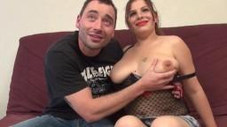 Une amatrice rousse française en lingerie se fait perforer le cul - Vidéo porno hd