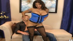 Cette milf en lingerie est super excitante avec ses bas et son corset - Film porno hd 1080p - #02