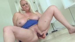 Compilation avec la grosse blonde Cameron Skye - Vidéo porno hd