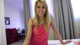 La jeune amatrice espagnole Erika Sevilla se fait baiser et avale le sperme - Vidéo porno - #02